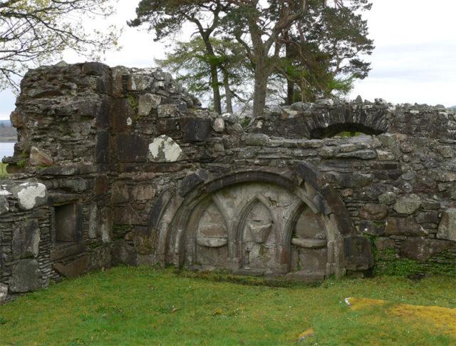 Ardchattan Priory, Argyll, and Bute, Scotland – choir. Author: Otter CC BY-SA 3.0