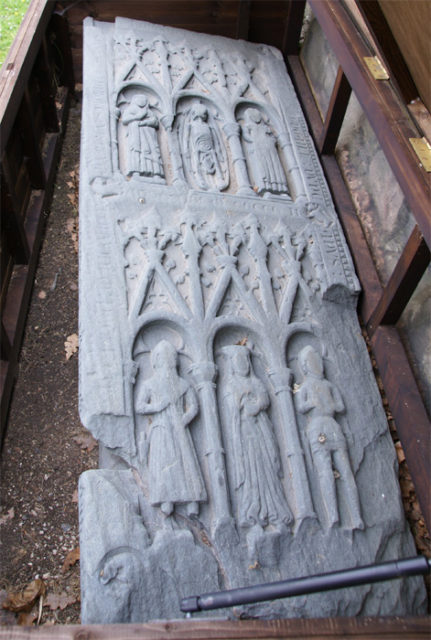 Ardchattan Priory, Argyll, and Bute, Scotland – Dugall MacDougall's grave slab (1502). Author: Otter CC BY-SA 3.0