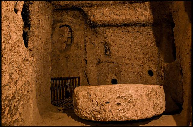 Inside the belly of Kaymakli. Author: Guillén Pérez CC BY-ND 2.0
