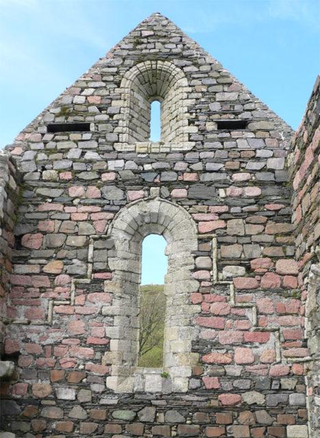 Iona Nunnery – church detail. Author: Otter CC BY-SA 3.0