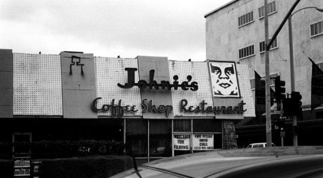 Johnie's Coffee Shop Restaurant, 2006. Author: JohnnyRokkit CC BY-SA 2.0