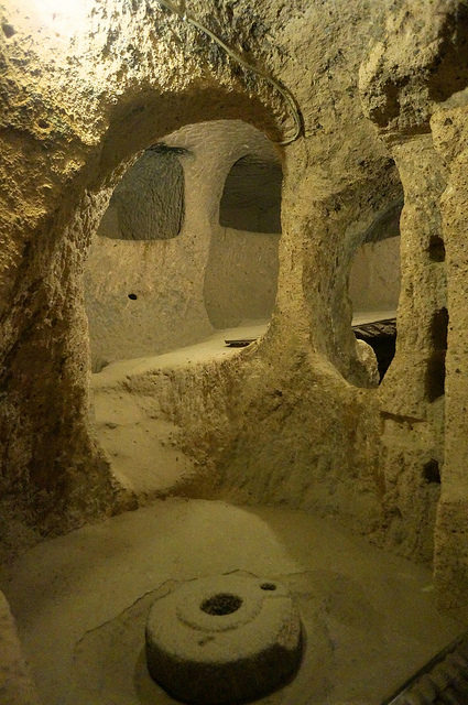 One of the underground chambers. Author: Mr Hicks46 CC BY-SA 2.0