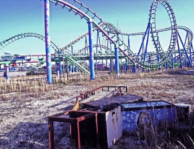 Six Flags New Orleans abandoned. Author:Keoni 101CC BY 2.0