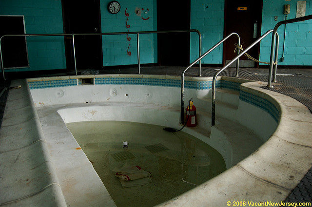 The Luxury of the Essex County Hospital Center. Author: Justin Gurbisz CC BY-ND 2.0