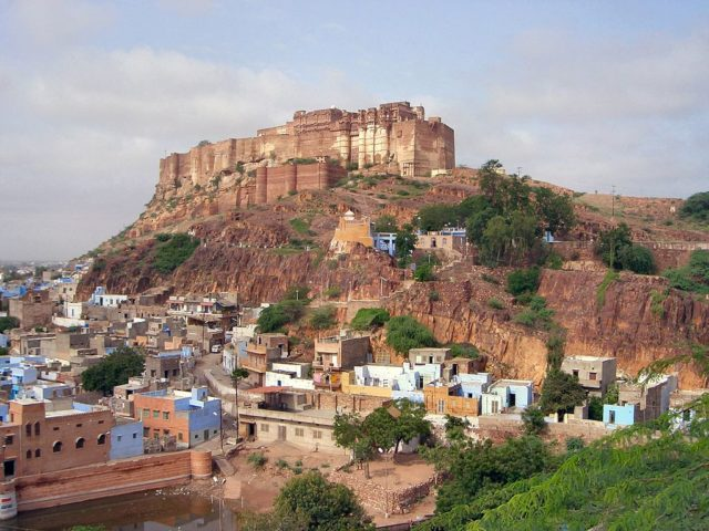 Jodhpur, India, and the fort on top of the hill. Photo Credit: soylentgreen23,CC BY 2.0