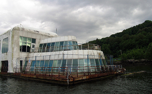 The McBarge, floating around Burrard Inlet. Author: Ashley Fisher CC BY-SA 2.0