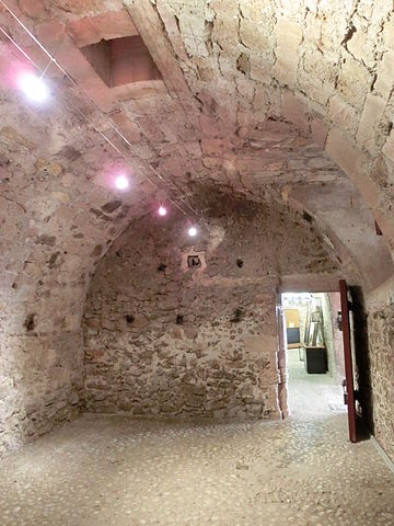 The cell named after Edmond Dantès at the Château d'If. Author: Ask Nine CC0