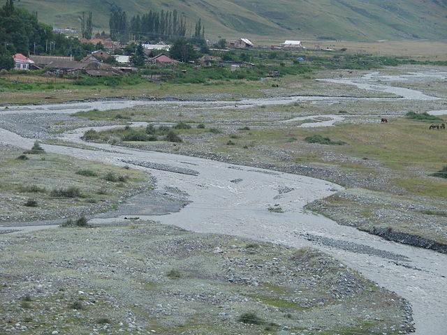 Giseldon River near Dargavs.