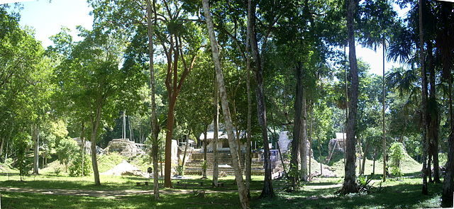 The Plaza of the Seven Temples. Photo credit:Simon Burchell,CC BY-SA 3.0