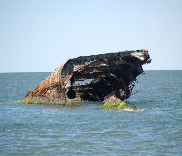 The wreckage of the SS Atlantus lies 150 feet off. Author: Luigi Novi CC BY 3.0