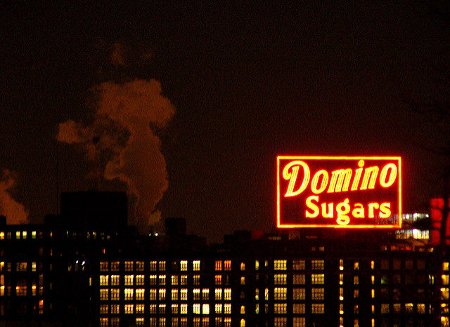 Domino Sugar neon sign. Author: Kathleen Tyler Conklin CC BY 2.0