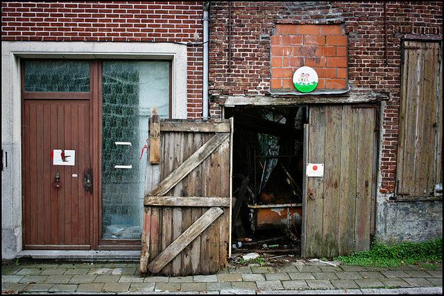 Empty homes. Author: Sammy Six CC BY 2.0