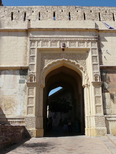Entrance gateway – Jai Pol Mehrangarh Fort, Jodhpur, Rajasthan, India. Photo Credit:Varun Shiv Kapur,CC BY 2.0