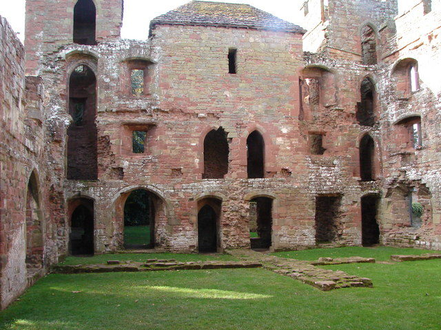 Interior of the castle. Author: John Proctor CC BY-SA 2.0