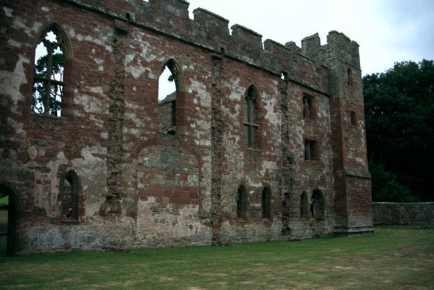 It was built in the 13th century. Author: Alan Longbottom CC BY-SA 2.0
