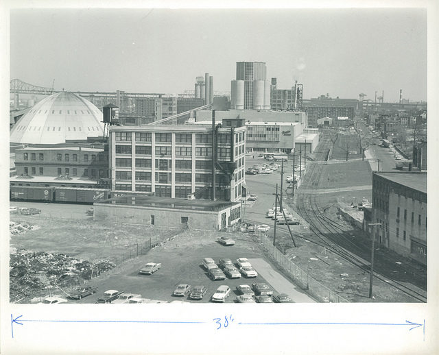 The factory in 1965. Author: Boston City Archives CC BY 2.0