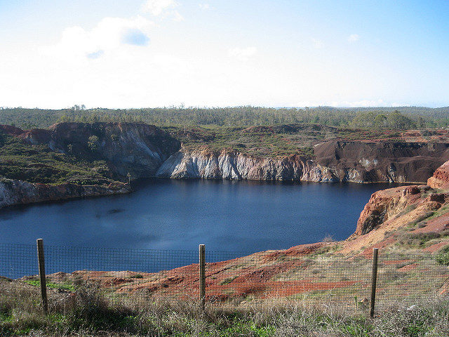 The Flooded open mine pits. Author: Beverly Trayner CC BY 2.0
