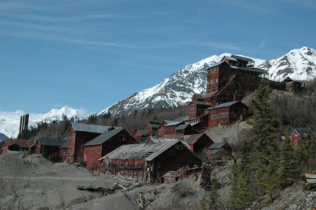 The Kennicott Concentration Mill. Photo Credit:Sewtex,CC BY 2.5