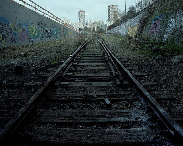 The lonely train tracks. Author: Thomas Claveirole CC BY-SA 2.0