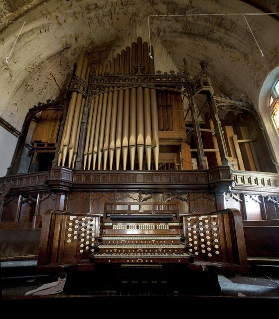 The pipe organ. Photo Credit:Albert duce,CC BY-SA 3.0
