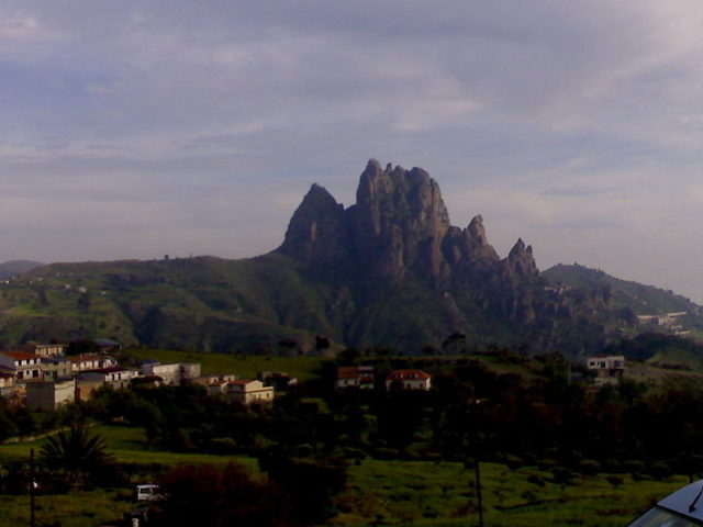 The stone hill. Author: Vincenzo Crea CC BY 2.0