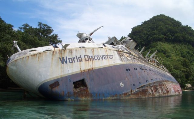 World Discoverer wreck off Guadalcanal. Photo Credit: Philjones828, CC BY-SA 3.0