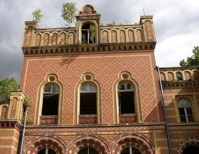 Close up on the facade of the mansion of the Gentz family – Author: Doris Antony – CC BY-SA 3.0
