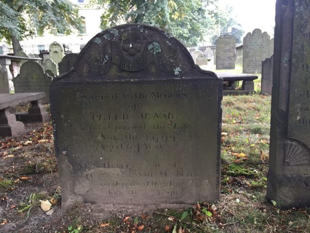 The grave of Peter McNab, namesake of McNabs Island.Author:HantsheroesCC BY-SA 4.0