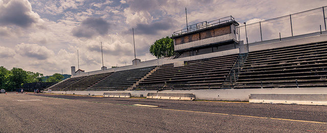 Hinchliffe Stadium – Author: PatersonGreatFalls -A Visual Reference for Teacher – CC by 2.0
