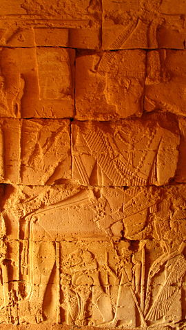 The carvings of the walls inside the pyramids/ Author: Jovan Smiljković – CC BY 4.0