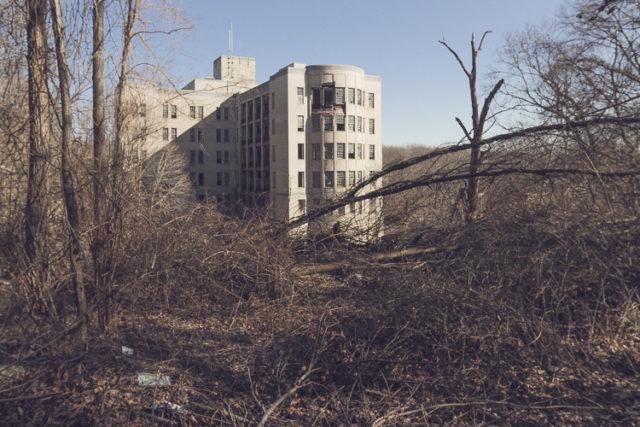 Abandoned NYC Seaview children's hospital. Author:ビッグアップジャパンCC BY-SA 2.0