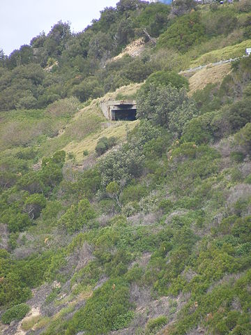 No.1 gun emplacement of the WWII Illowra (Hill 60) Battery from afar. Author Adam.J.W.C. CC BY 3.0