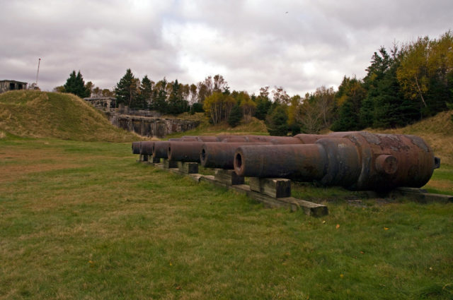Close up on the small guns at Fort Ives. Author:Property#1CC BY-NC-ND 2.0