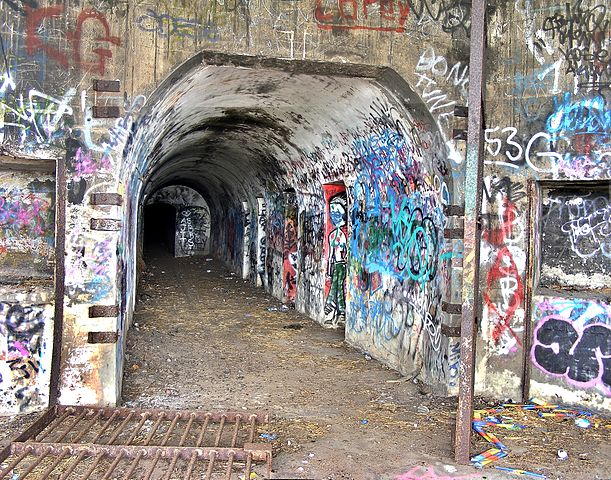 A bunker corridor inside the Hill 60.  Author Adam.J.W.C. CC BY 3.0