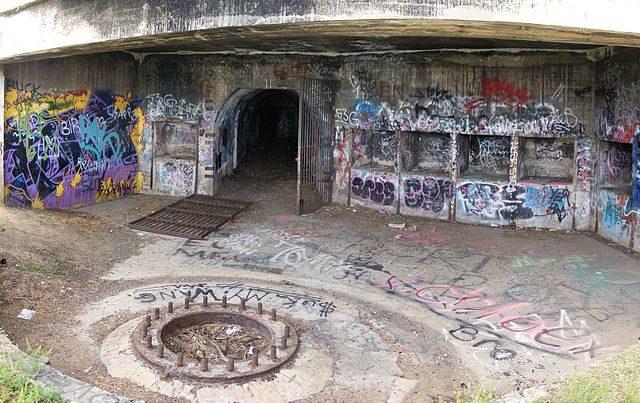 Hill 60 Bunker AuthorAdam.J.W.C.CC BY 3.0