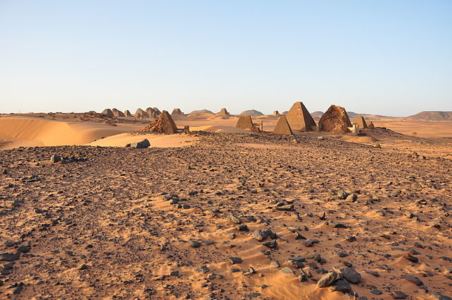 The Southern Cemetery of Meroë/ Author: TrackHD – CC BY 3.0