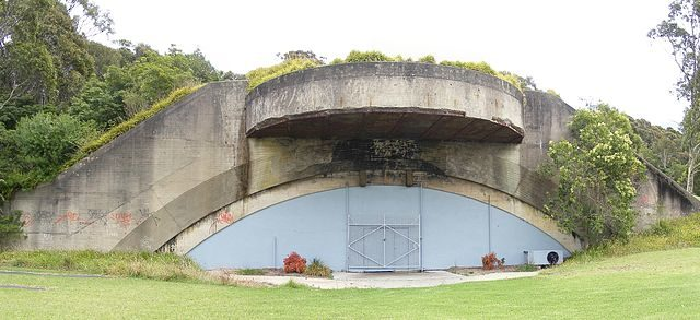 Gun emplacement 2 today. Author Adam.J.W.C. CC BY 3.0
