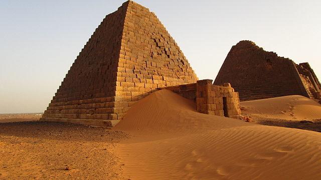 The Nubian pyramids were raided and devastated over the centuries/ Author: Jovan Smiljković – CC BY 4.0
