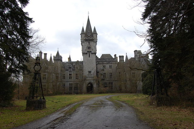 The front side of Castle Miranda. Pel Laurens CC BY 3.0