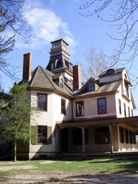 Mansion in Batsto Village, New Jersey, USA. Photo Creditmullica CC BY 2.0