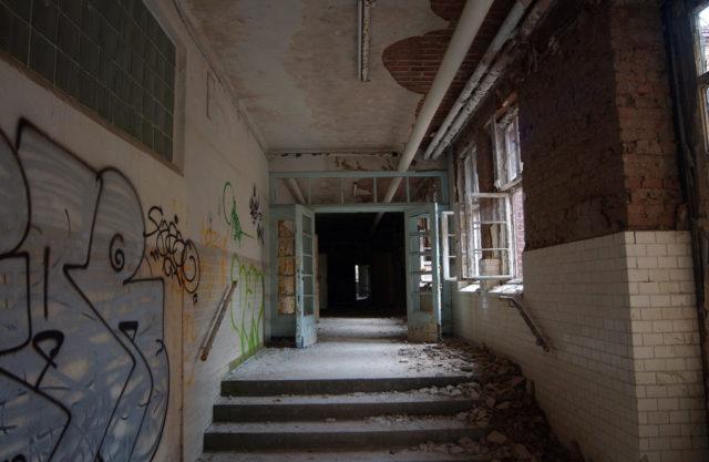 Beelitz Heilstätten Author Moisturizing Tranquilizers. CC by 2.0