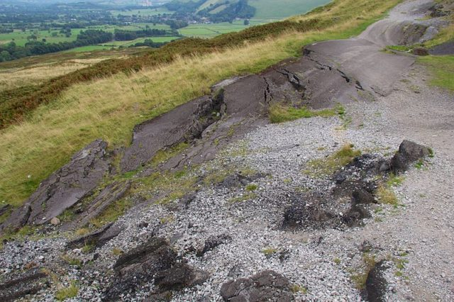 Broken Road near Castleton, Derbyshire. Author:Mike PeelCC BY-SA 4.0