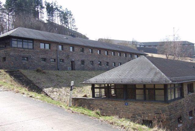 Comradeship houses. Author:Hans WeingartzCC BY-SA 2.0 de