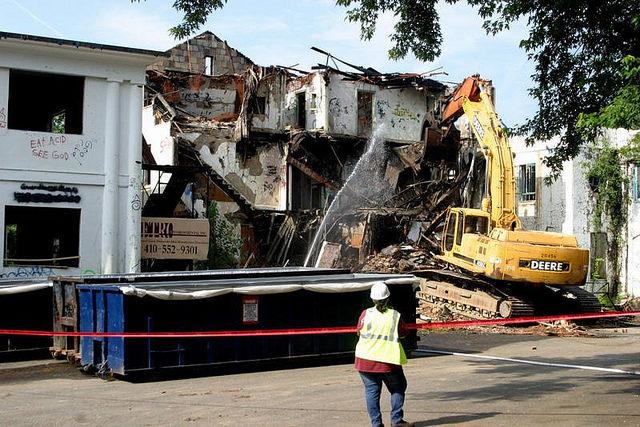 Demolition in progress. Forsaken Fotos CC BY-SA 3.0