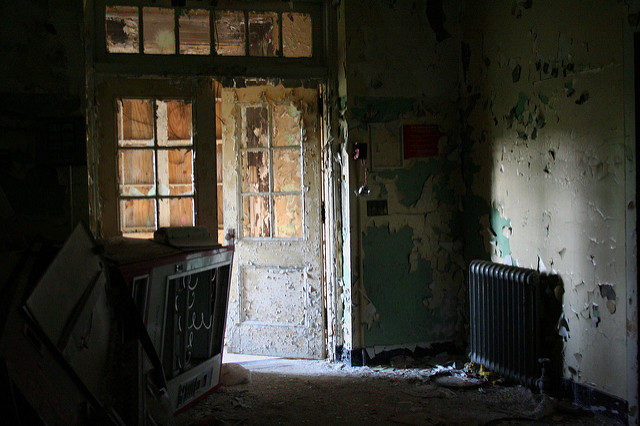 Entrance to the psych ward. Author: AnneCC BY-ND 2.0