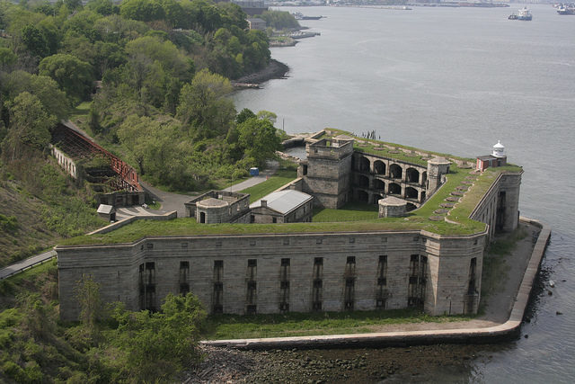 Fort Wadsworth different angle. Paul VanDerWerf CC BY 2.0
