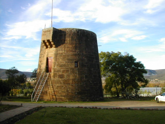 Martello Tower at Fort Beaufort. Author:CcfjgCC BY-SA 3.0