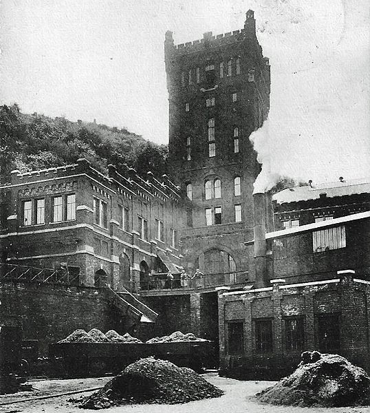 Mine of Hasard de Cheratte in activity.