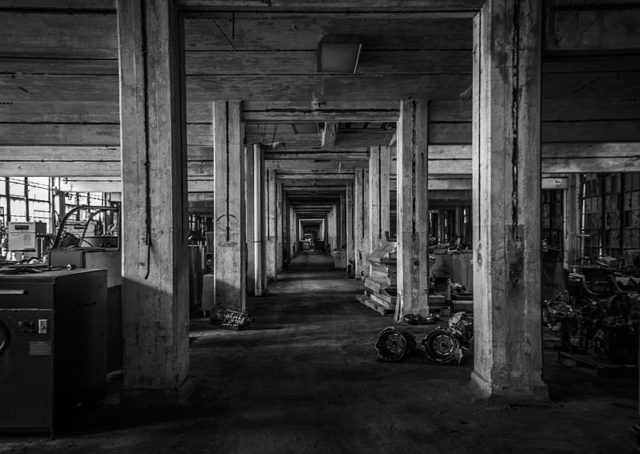 Peters Cartridge Factory Interior – different part of the factory. Author: Samuel W. Smith CC BY-SA 4.0