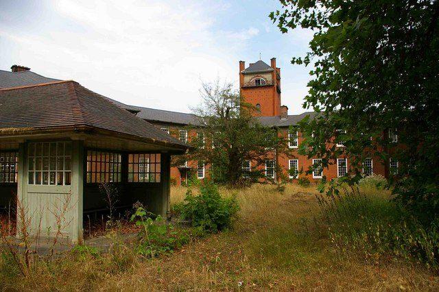 Severalls Hospital. Author:Glyn BakerCC BY-SA 2.0
